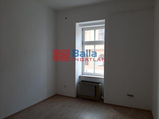 Sopron - Sopron külső utca:  65 m²-es társasházi lakás   (24'900'000 ,- Ft)