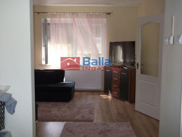 Tiszakécske - Szabolcska Mihály utca:  53 m²-es társasházi lakás   (17'900'000 ,- Ft)