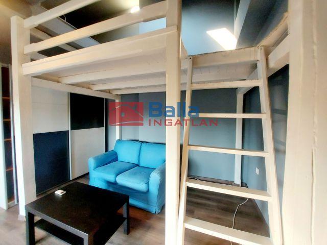Vác - Deákvár utca:  30 m²-es társasházi lakás   (21'500'000 ,- Ft)