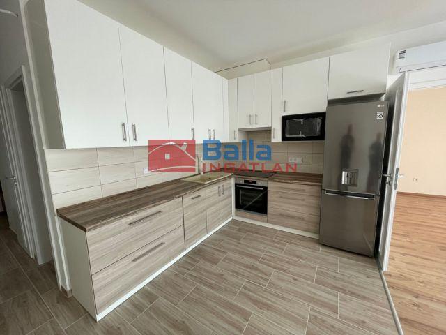 Vác - Rózsa utca:  51 m²-es társasházi lakás   (150'000 ,- Ft)