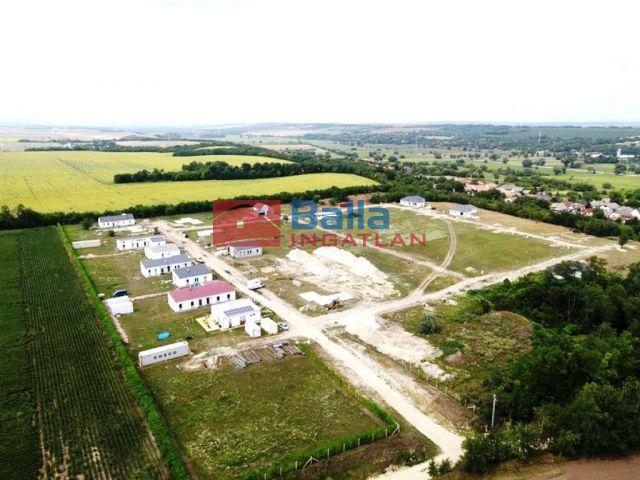 Kajászó - Kossuth u. telek-782:  1600 m²-es telek   (13'100'000 ,- Ft)