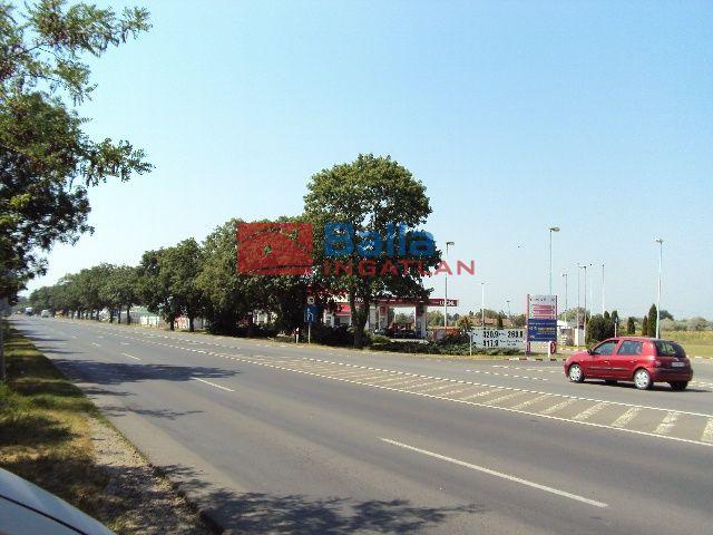 Szeged - Algyői út:  68216 m²-es telek   (682'160'000 ,- Ft)