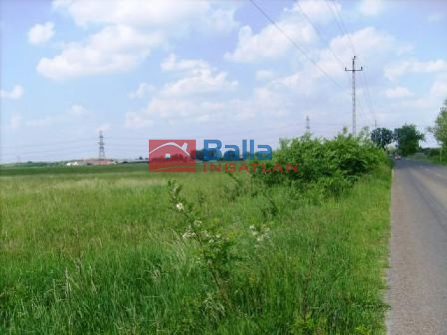 Szigetcsép - Fő út mellett:  18178 m²-es telek   (36'356'000 ,- Ft)
