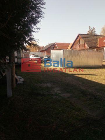 Szigethalom - Duna part közeli utca:  532 m²-es telek   (25'000'000 ,- Ft)