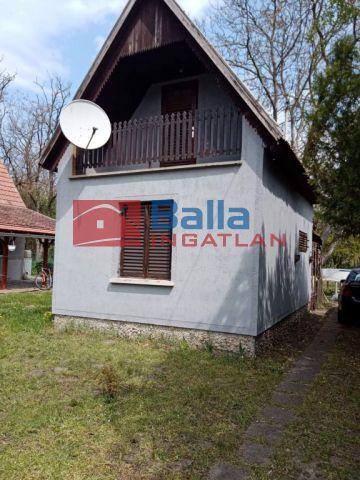 Szalkszentmárton - Tégla falazatú vízpart közeli kis nyaraló eladó!:  47 m²-es üdülő   (4'990'000 ,- Ft)