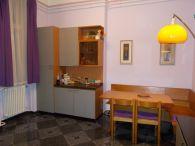 VIII. Kerület, Baross utca, 92 m²-es, 1. emeleti, társasházi lakás